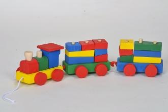Dřevěný vláček s vagony
